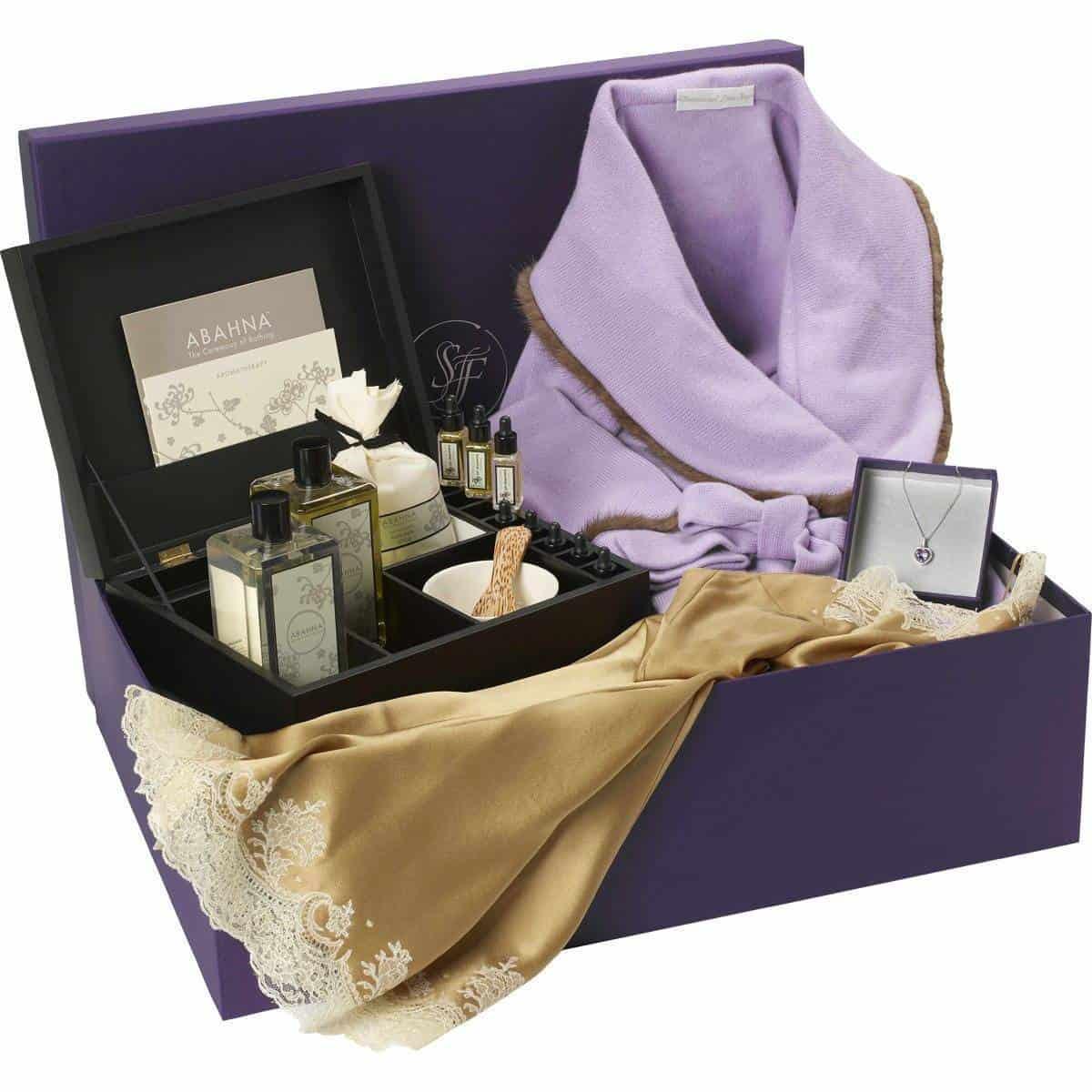 Luxury Wedding Gift Ideas: Luxury Wedding Gifts By Savoir Faire