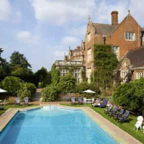 Top 10 UK Luxury Wedding Venues Outside London