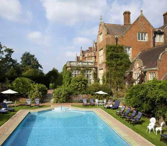 Top 10 UK Luxury Wedding Venues Outside London