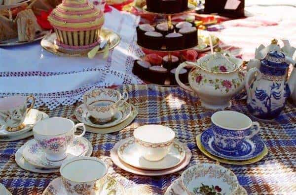 Why not have a vintage style picnic party for your hen-do? 2