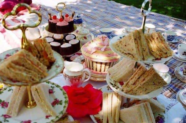 Why not have a vintage style picnic party for your hen-do? 1