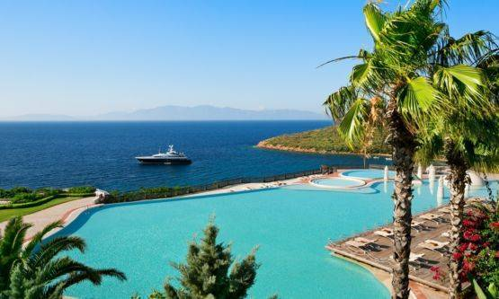 2011's Unique Honeymoons Escapes From 5 Star Weddings