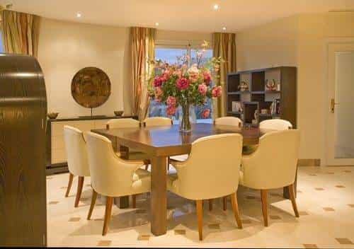 Dining room with flowers