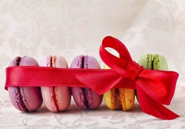 Macaron Valentines Gifts