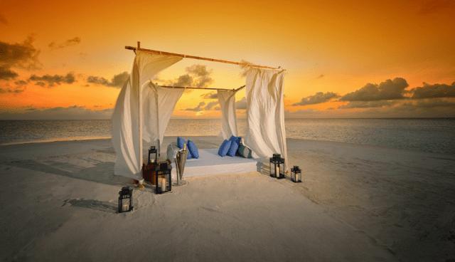 Romantic Dinner at Jumeirah Dhevanafushi