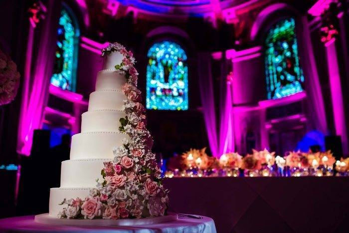 7 tier wedding cake with flowers