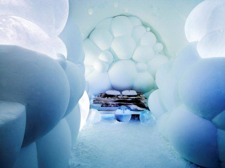 Honeymoon In Ice Hotel