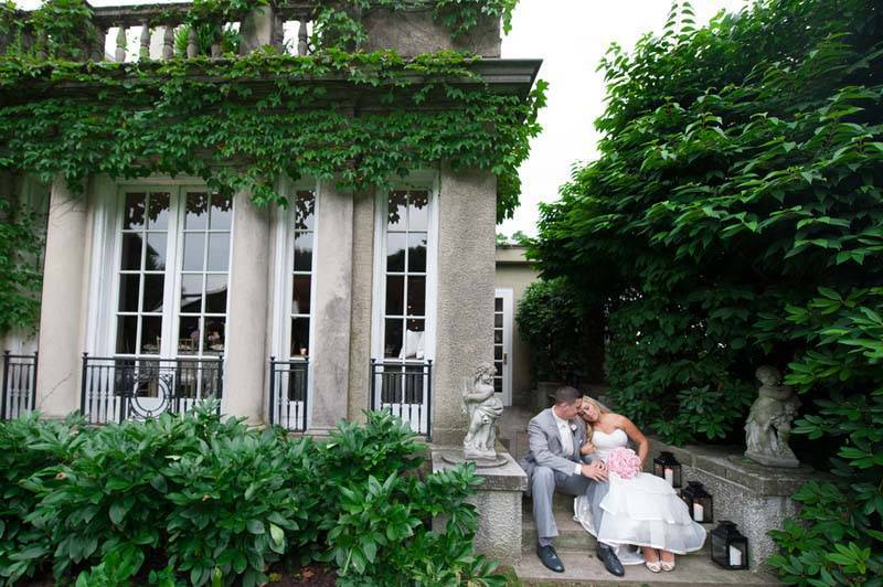 Manor house with bride and groom