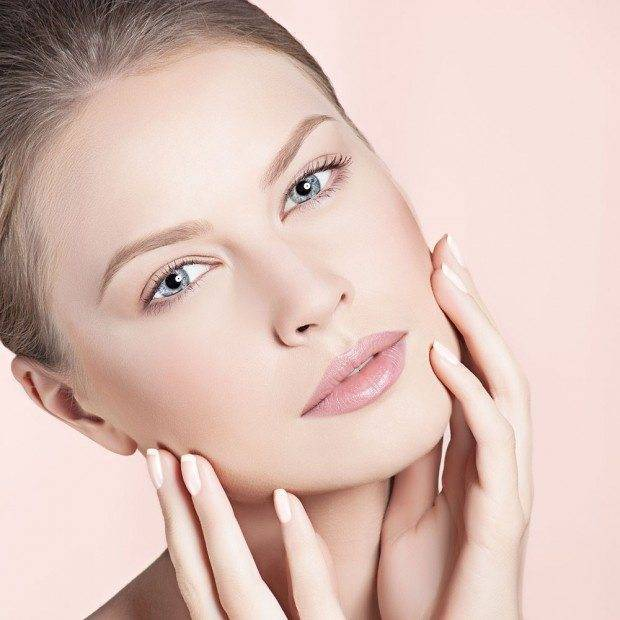 0ba3819c fef1 4a69 86b6 4d378711c724 - Perfecting Flawless Skin For The Winter Bride