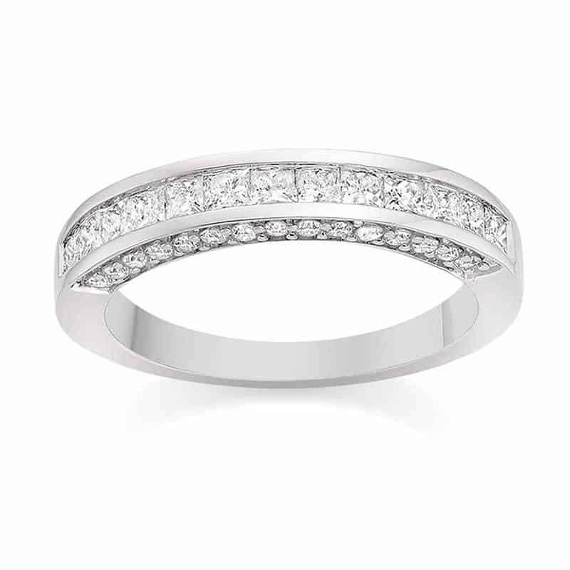 625a35f5 aaf9 4e0a ad21 78e2e1f02d41 - Top 5 Eternity Rings