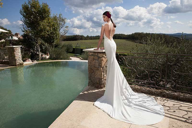 f8a76d8d 81f6 4fe0 a919 f7e48d1e7edf 1 - Berta Bridal 2015 Bridal Collection