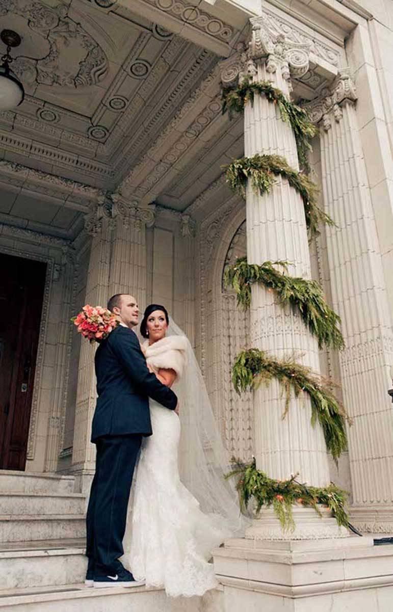 29ccdafe 9484 439e a709 c0c5c8f53ffe - A Winter Wedding In Washington With A Hawaiian Twist