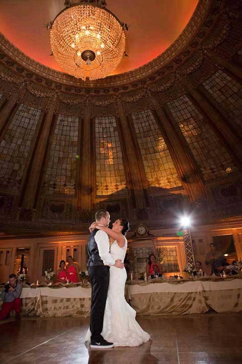 fe1f5171 bd9c 4ecb 8614 23f987da287c - A Winter Wedding In Washington With A Hawaiian Twist
