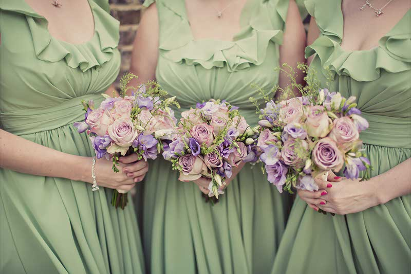 lilac and pink bridesmaids flowers www.blueskyflowers.co.uk