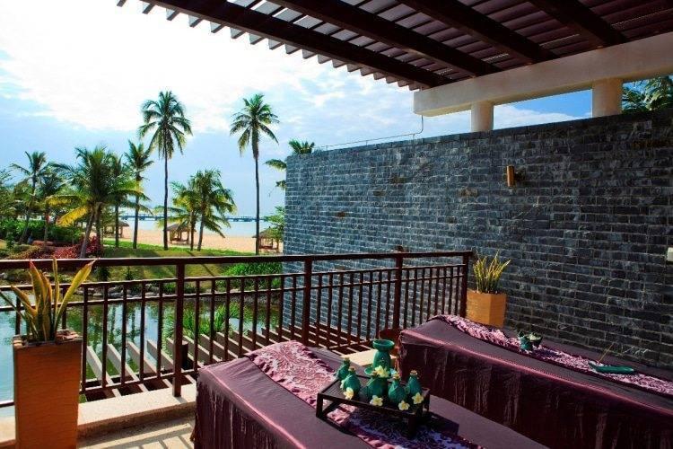 Banyan Tree Sanya - Spa Pool Villa- Outdoor Massage