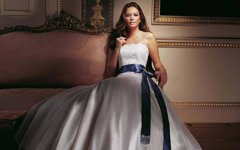 Caroline Castigliano Dress 41 - How The Rich Get Hitched