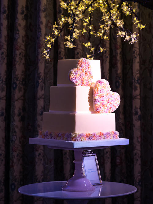 07cb94d2918adce4aa94369c888372728e913d02 - Seasons of Sugar: Brand New 2016 Cake Collection Unveiled by GC Couture