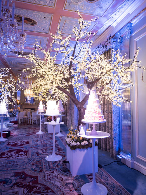 7459ac612c689568d0487b39ec11a150dad4d4e7 - Seasons of Sugar: Brand New 2016 Cake Collection Unveiled by GC Couture