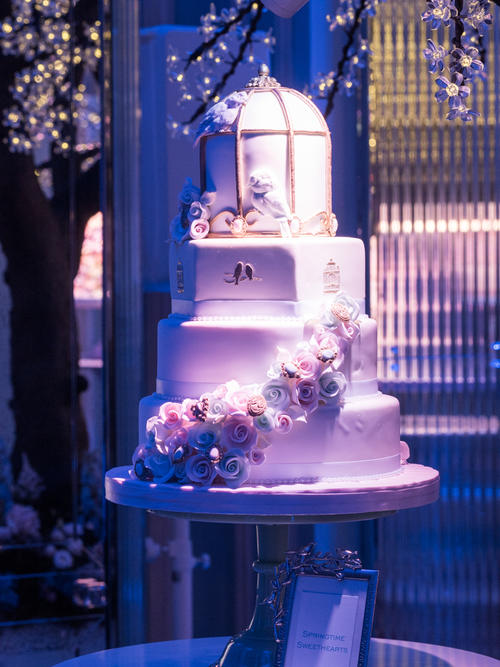 76d7ca04c6d0b115ffa45bd421f9ab9417437aba - Seasons of Sugar: Brand New 2016 Cake Collection Unveiled by GC Couture