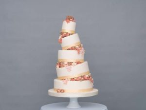 Autumnal Walks by GC Couture £1575.00d 450x338 300x225 - Seasons of Sugar: Brand New 2016 Cake Collection Unveiled by GC Couture