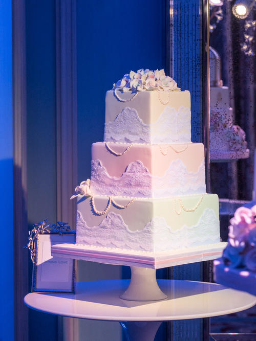 f12da6b308a3d4a46f74367cbb625169398cdf61 - Seasons of Sugar: Brand New 2016 Cake Collection Unveiled by GC Couture