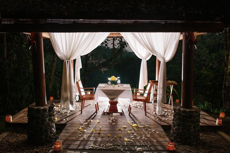 Bale Bengong Romantic Dinner