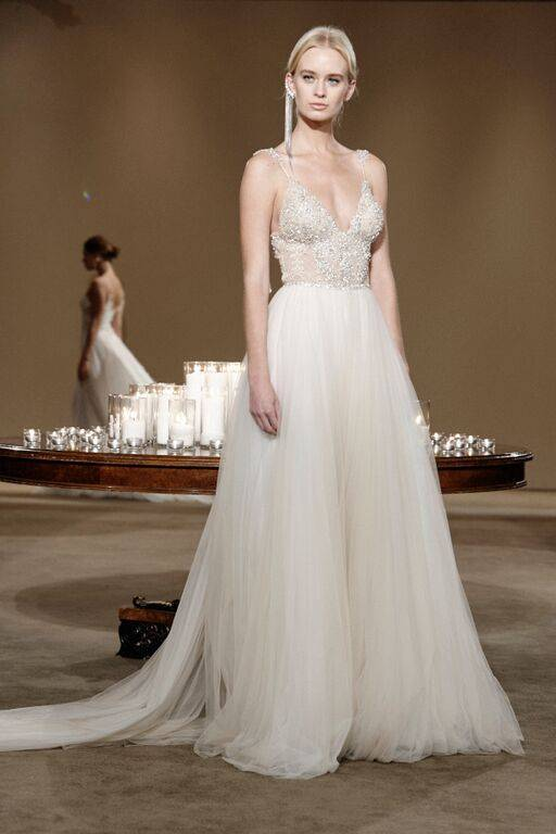 JZ4uTilh0K0tjXwsh coYVLud4YoQexLTNVsaqqz7Uo - All you need is Lahav: Two breathtaking Fall 2016 bridal collections