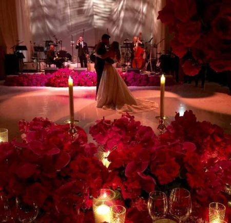 Sofia-Vergara-wedding-Nov-2015-couples-first-dance-450x436