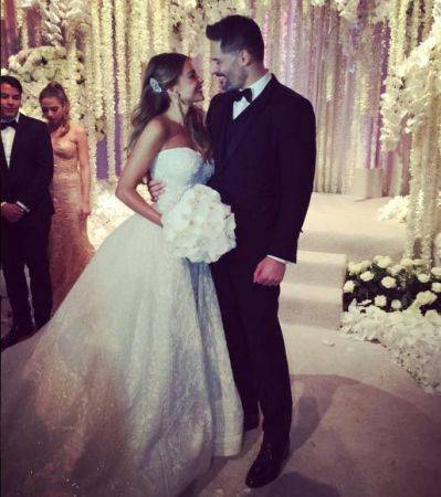 Sofia-Vergara-wedding-Nov-2015-happy-couple-399x450