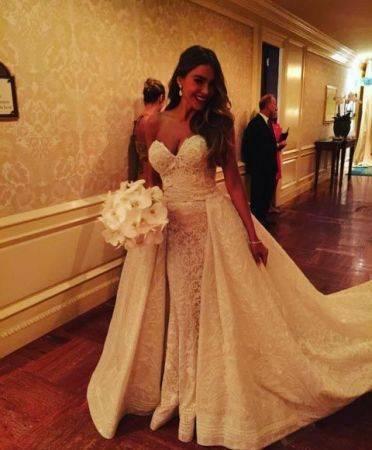 Sofia-Vergara-wedding-Nov-2015-the-bride-372x450