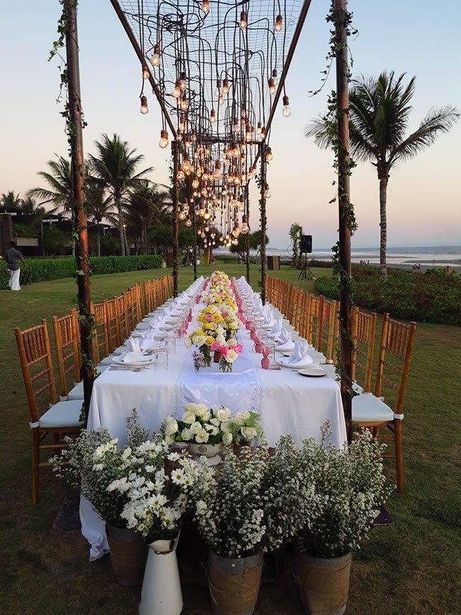 Table setting in Bali wedding