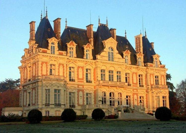 Chateau Dove (France)