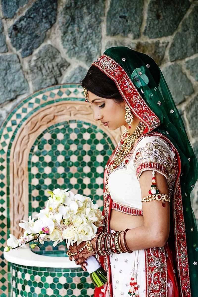 e16a0962 21d1 42c9 89cc f59ef359fd46 2 - Stunning Indian Wedding in Costa Rica
