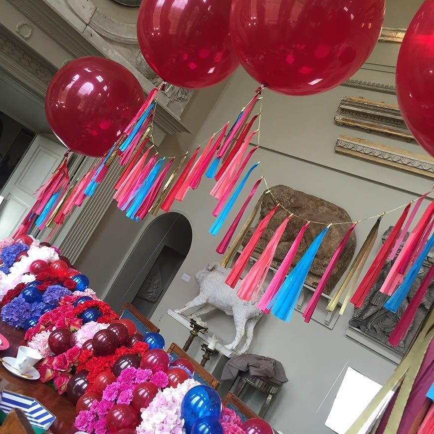 Pink blue & red table centre Balloons