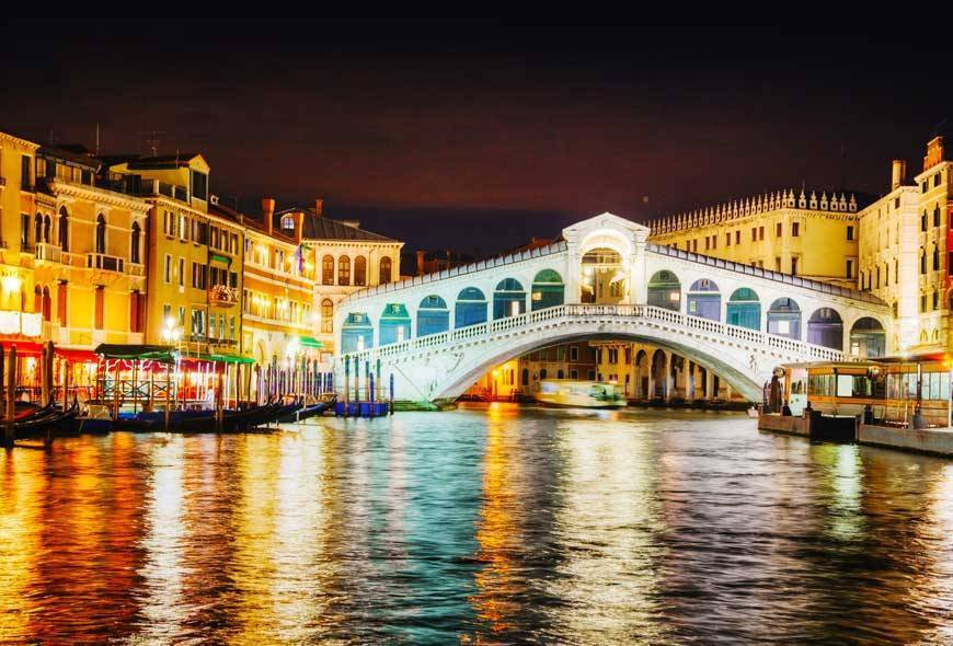 Photo.ua - Rialto Bridge (Ponte Di Rialto) in Venice, Italy at night time