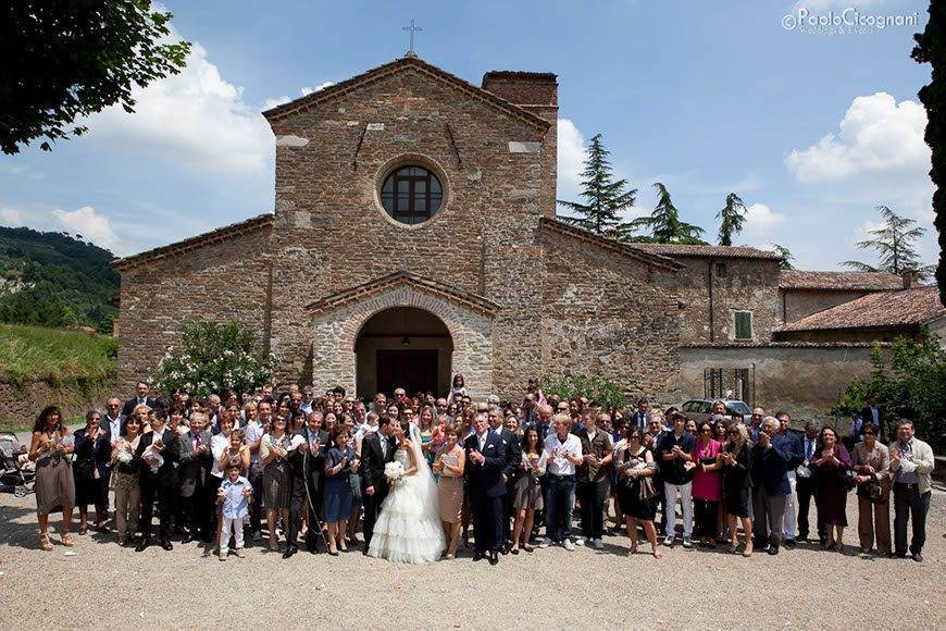 Everybody in front of the Church - Top 5 Wedding Venues In Romagna Italy