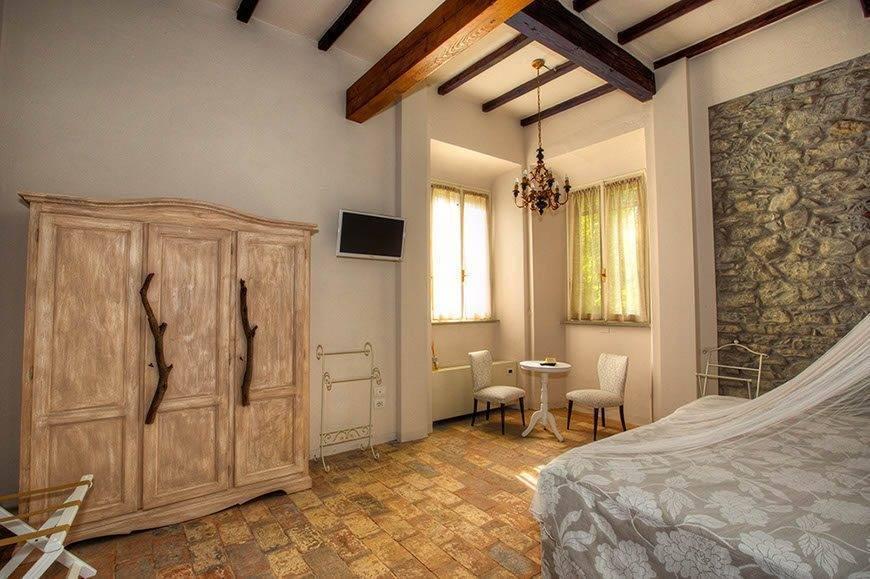 Villa bedroom - Top 5 Wedding Venues In Romagna Italy