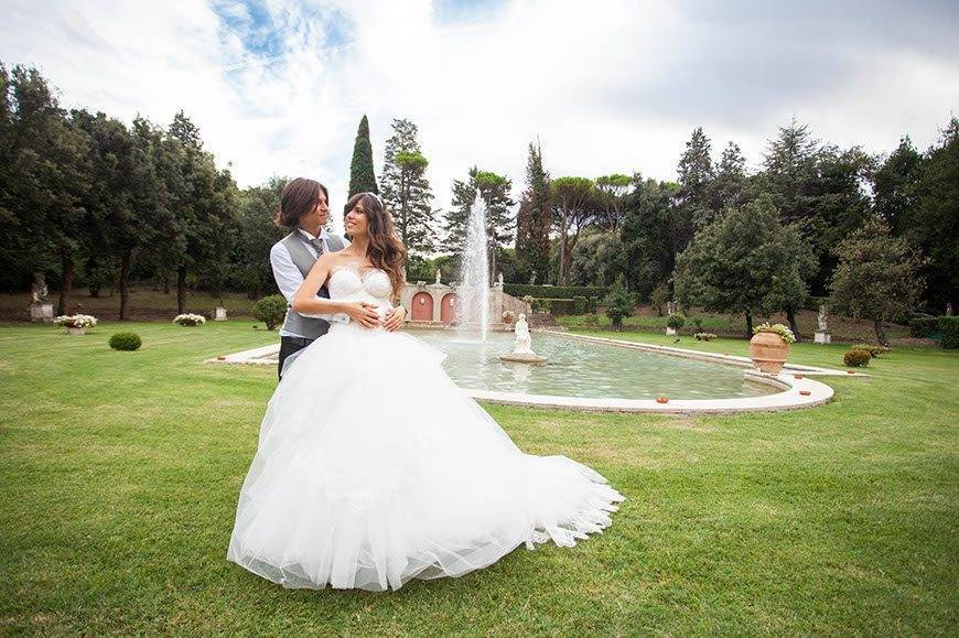 Wedding couple in the park - Top 5 Wedding Venues In Romagna Italy