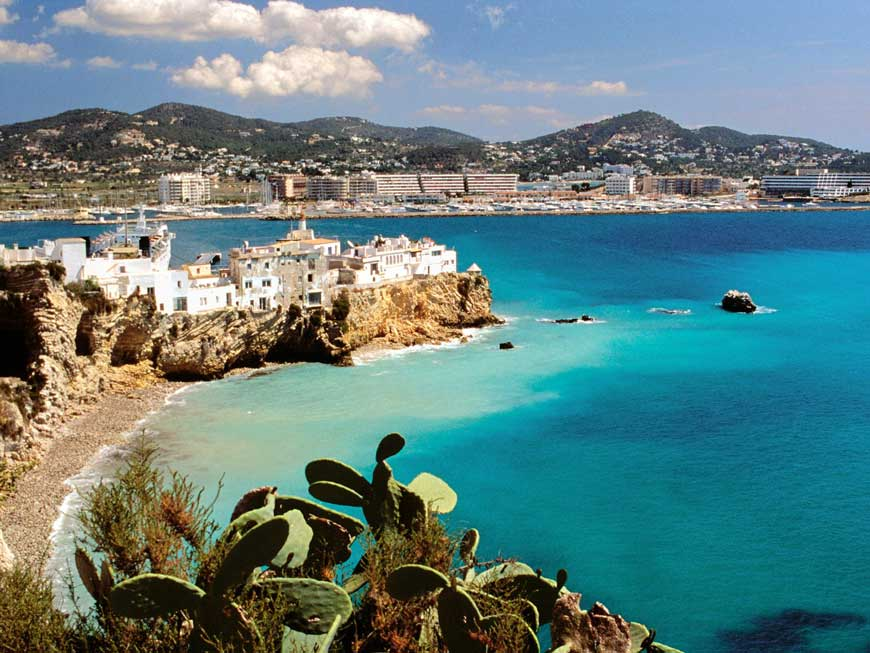 Alvarezmoxy Bravesites Ibiza Spain Luxury Honeymoon