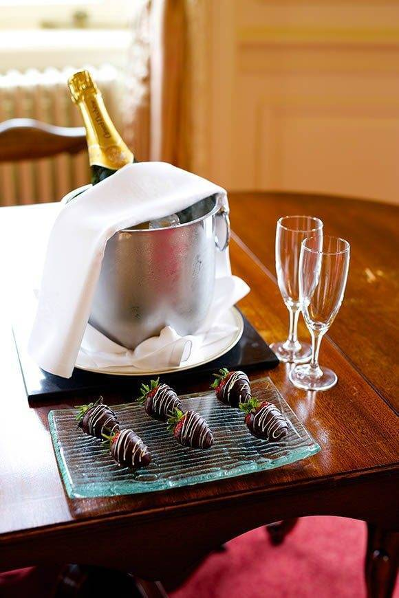 Lovely Treats Champagne