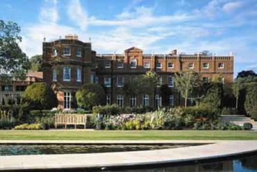 The Grove – A Perfect Retreat For Stressed Out Couples