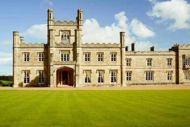 Ideal Wedding Venues – Getting Married in a UK Castle