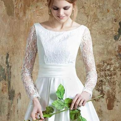 Emma Hunt Launches Echo Bridal Collection