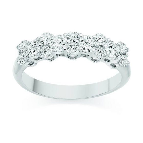 How To Buy A Wedding Ring To Compliment Your Engagement Ring
