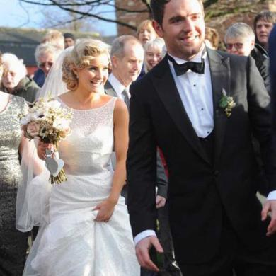 He​len Skelton Weds In ​Sassi Holford Gown