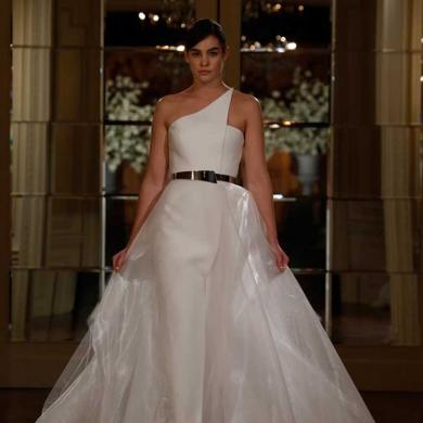 Romona Keveža Spring 2015 Bridal Collection
