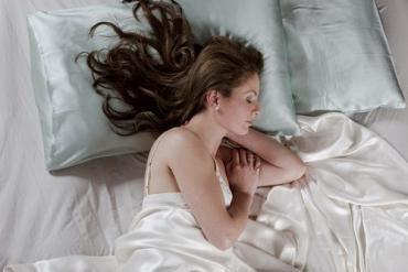 Be A Sleeping Beauty With A Mulberry Silk Pillowcase