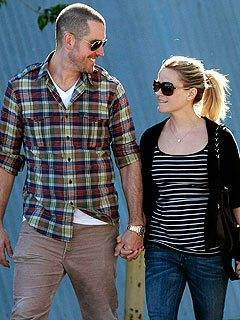 Reese Witherspoon announces her engagement to Tim Toth