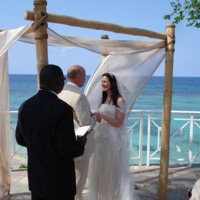 Getting Married Abroad: A Real Brides Tale!