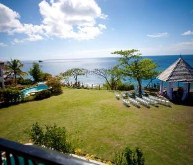 An Intimate Setting For A Caribbean Wedding